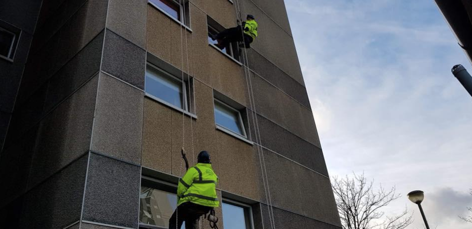 rope access window cleaning Glasgow